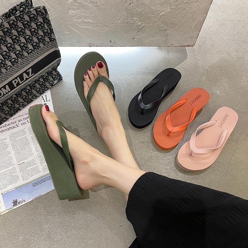 新款人字拖女ins潮夏日拖鞋外穿时尚防滑坡跟软底休闲凉拖沙滩鞋