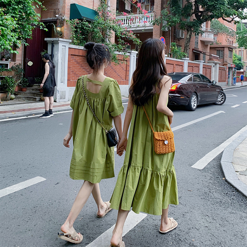 法式显瘦牛油果绿连衣裙子仙女超仙森系2020新款春季夏闺蜜套装姐