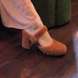 晚晚同款玛丽珍焦糖色条纹短貂绒粗跟小方头高跟超好穿凉鞋