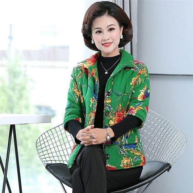 日本购中袖羽绒服女 中长款 七分胖中老年人女装外套加肥加大码妈图片