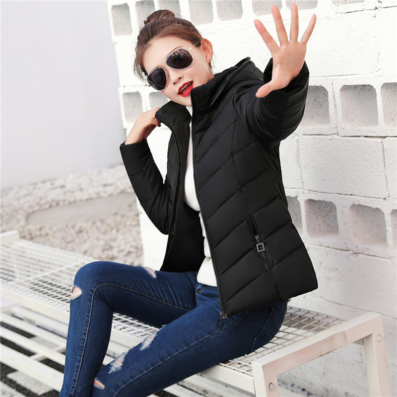 2020 new winter cotton padded womens short Korean version slim down cotton padded students thickened small cotton padded jacket