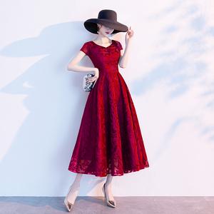 红色女气质长款高贵婚宴新娘晚礼服
