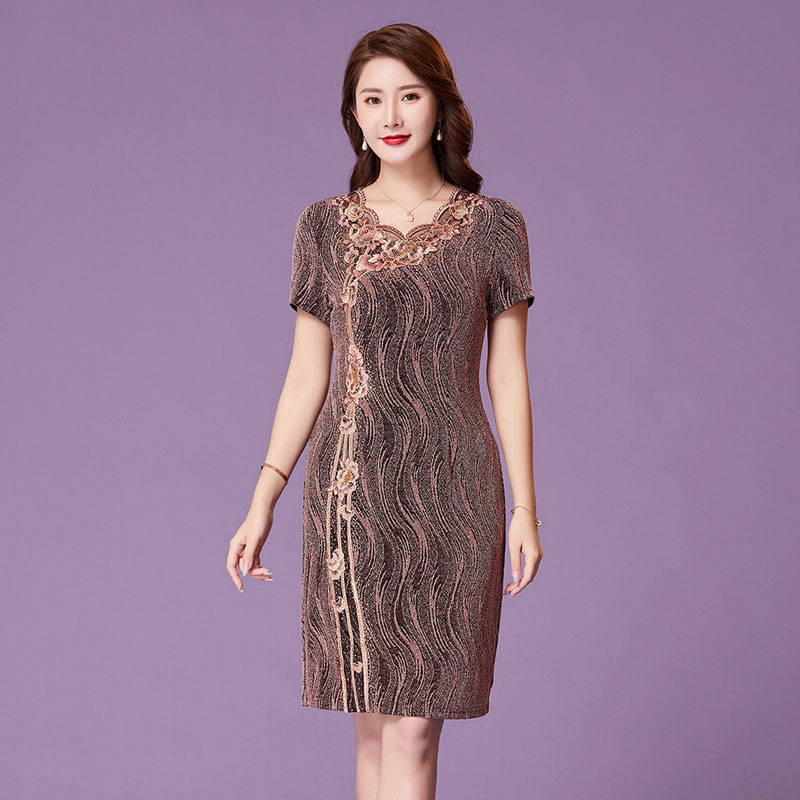 Yanaqi 2020 summer new embroidered lady lady noble base dress hand nailed bead mother dress
