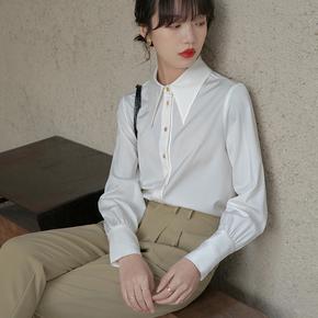 春款2021年新款法式尖领缎面白衬衫女设计感小众质感衬衣长袖上衣