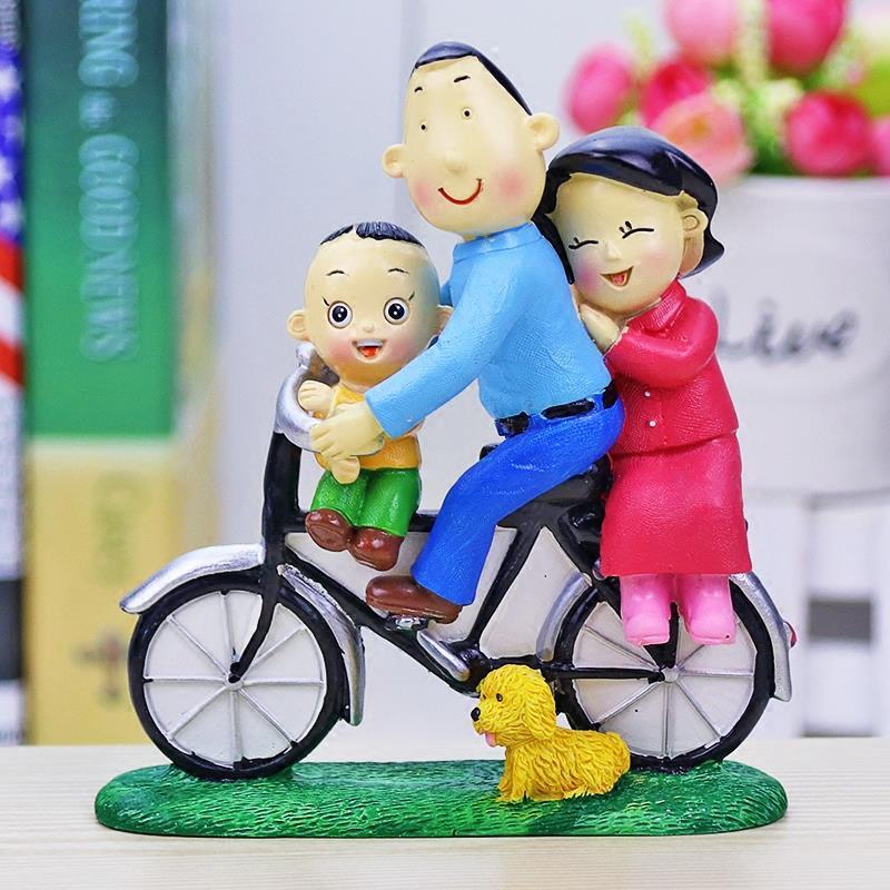 骑单车大头儿子小头爸爸一家三口树脂现代创意装饰品摆件生日礼物