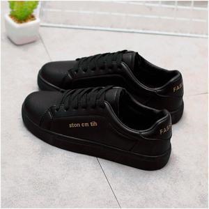全黑色皮面休闲鞋秋季新款韩版潮女平底运动鞋防水皮帆布鞋学生鞋