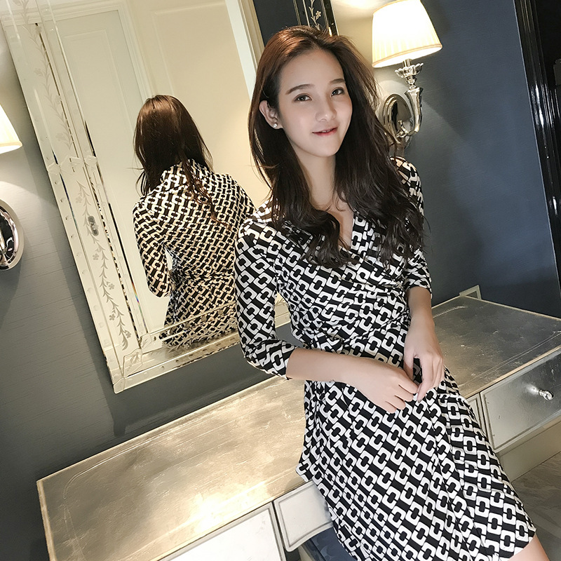 Spring and summer 2020 d familys same chain printing short wrap dress V-neck lace up slim dress