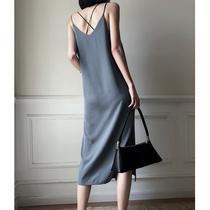 吊带连衣裙女装夏季2019新款高端气质复古冷淡风裙子黑色外搭长裙