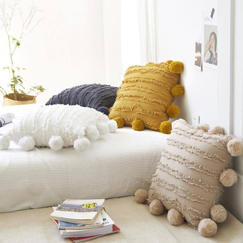 家用INS风贝丽尔挂球款棉麻提花抱枕沙发床头靠垫枕套飘窗装饰枕