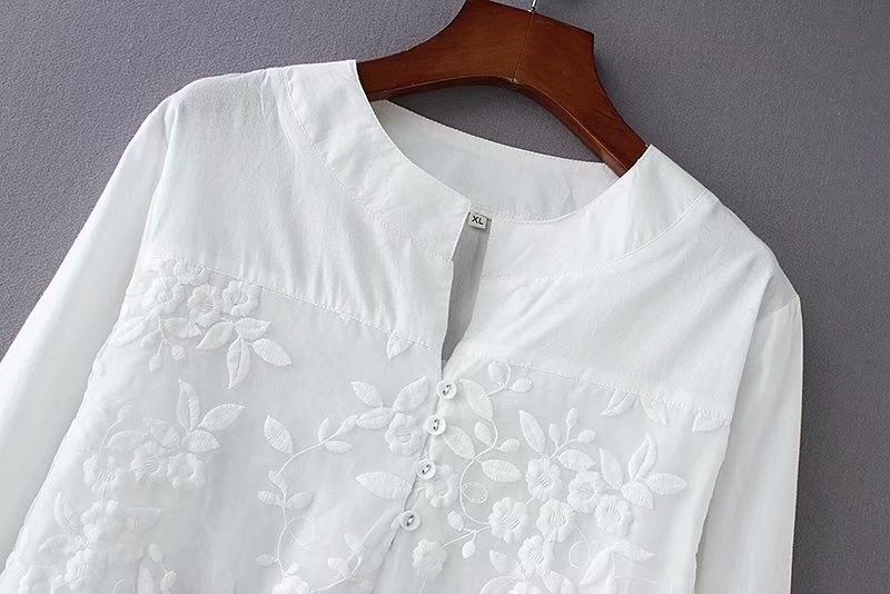 18 spring and autumn clothes large cotton embroidered shirt for middle aged and old people mothers wear long sleeve cotton embroidered T-shirt for women