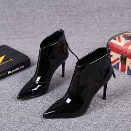 欧洲站女鞋2020秋冬季新款真皮尖头高跟细跟短靴漆皮后拉链马丁靴