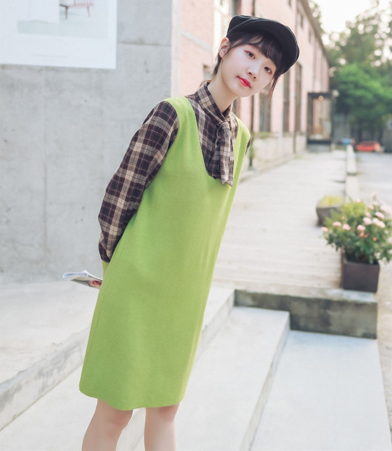 8533 real shooting autumn and winter dress, avocado green sweater, womens medium length knitted plaid shirt, two pieces of stitching fake