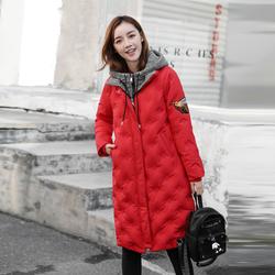 红色羽绒服女2020年新款中长款小蜜蜂加厚修身撞色冬季刺绣外套士