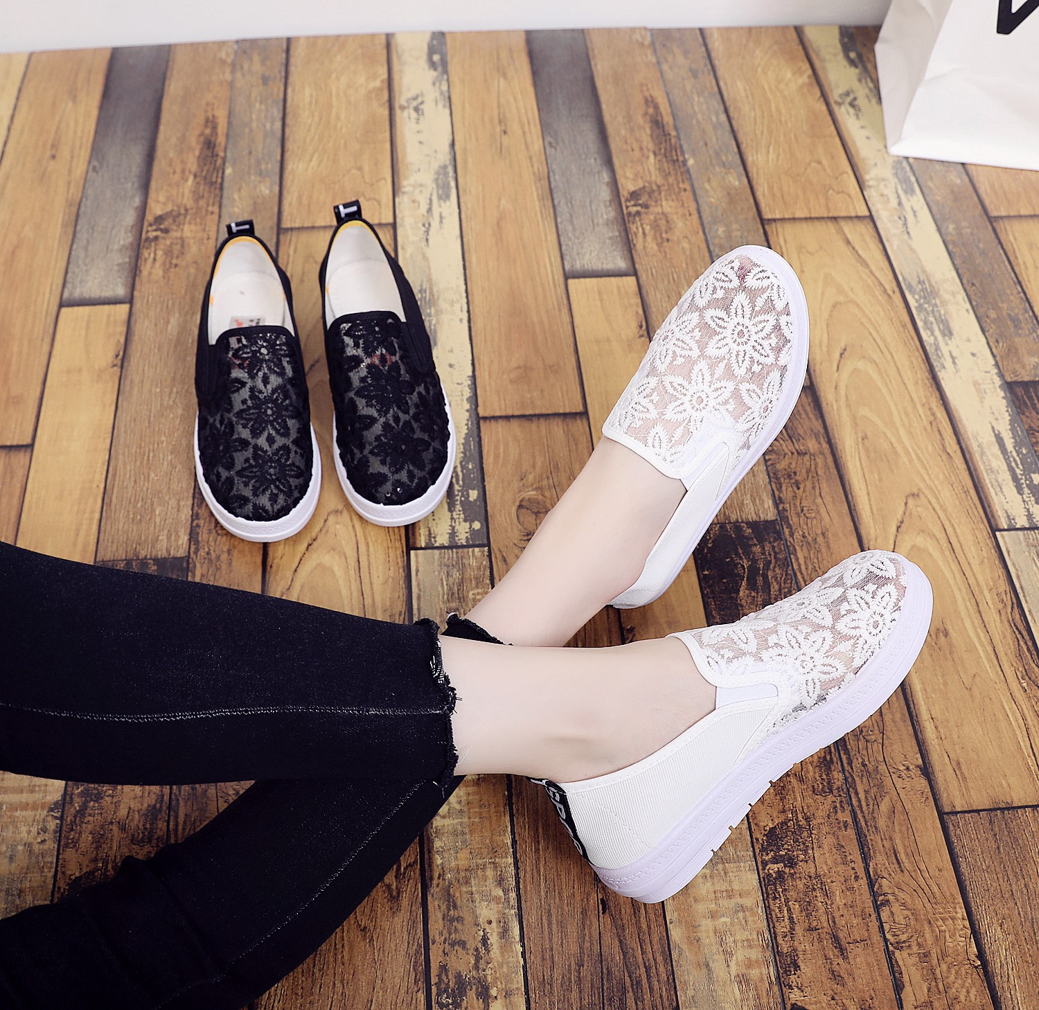 Summer womens shoes mesh breathable mesh casual shoes lace small white shoes flat bottom womens low top student shoes dance shoes