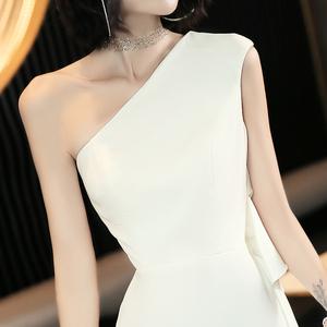 白色很仙的晚礼服裙女新款宴会气质长款平时可穿高贵优雅单肩大气