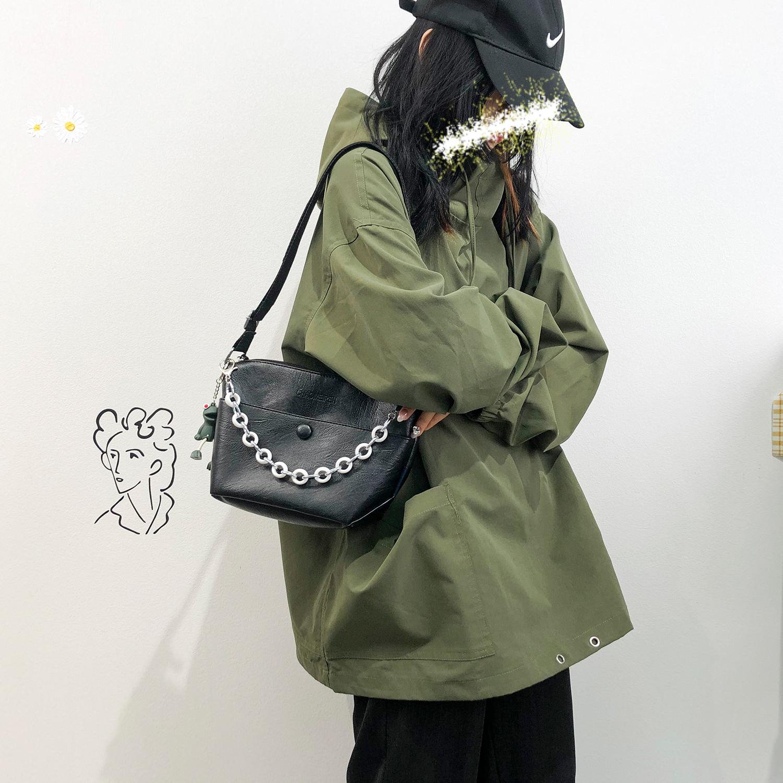 夏季法国小众腋下包包2020新款潮时尚洋气手提链条包单肩斜挎包女