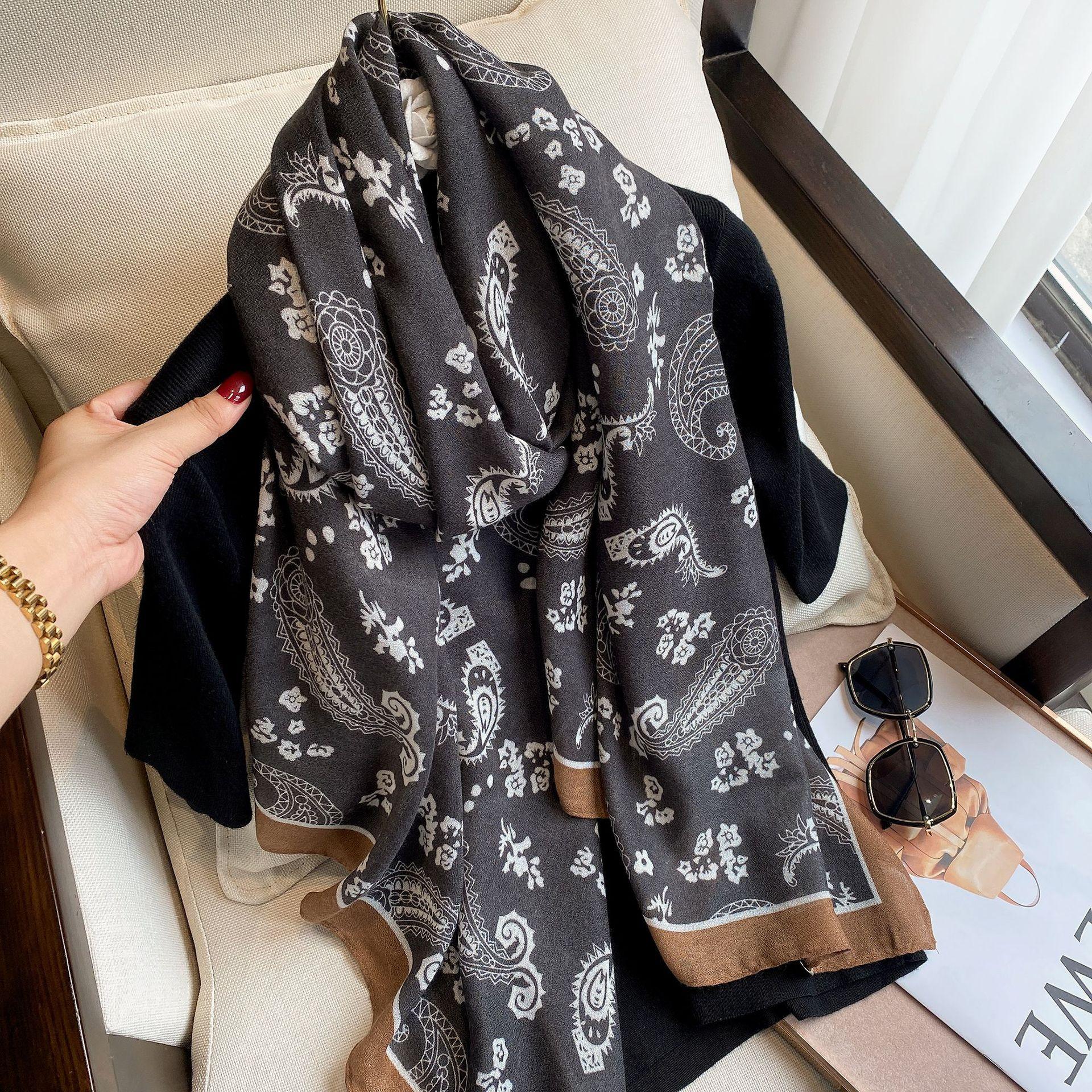 搭韩版披肩手感腰果保暖围脖棉麻长款新款初秋时尚2021图案外围巾
