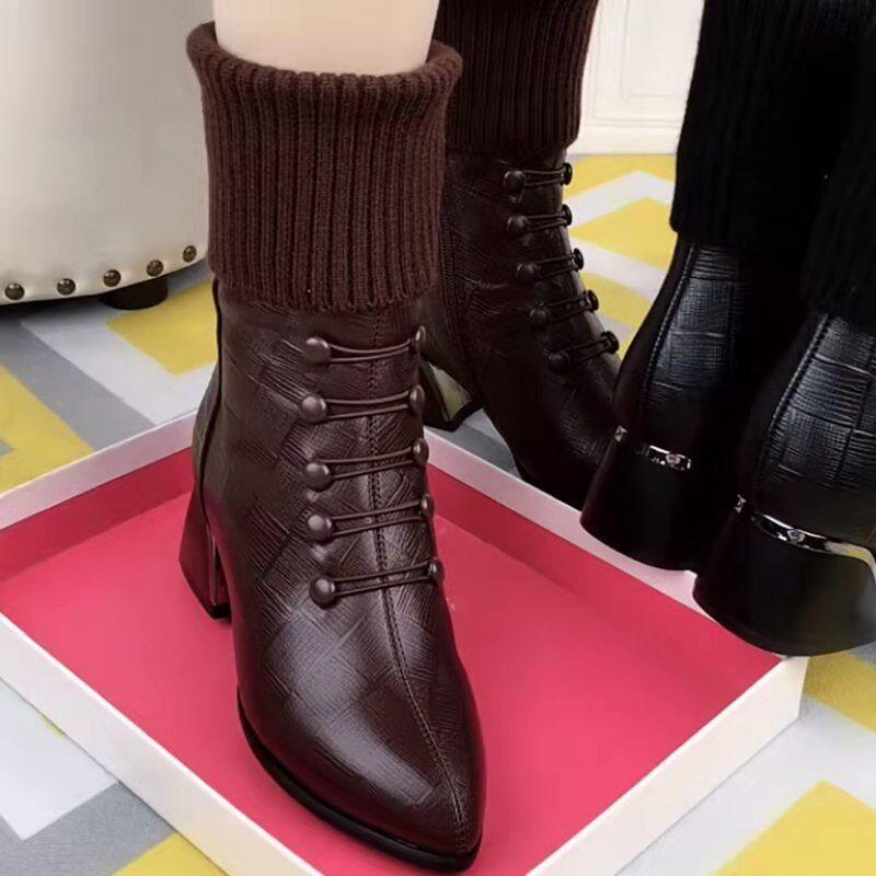 短靴女2021秋冬新款加绒粗跟中跟超火女靴尖头中筒靴时装靴马丁靴