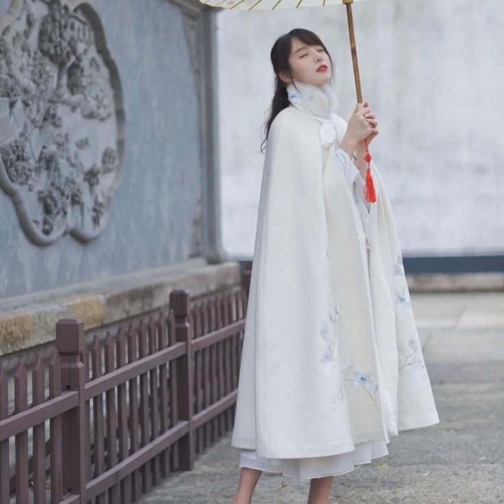 冬季汉服斗篷披风女装复古风中国风古装改良长款保暖加厚加绒外套,可领取50元淘宝优惠券