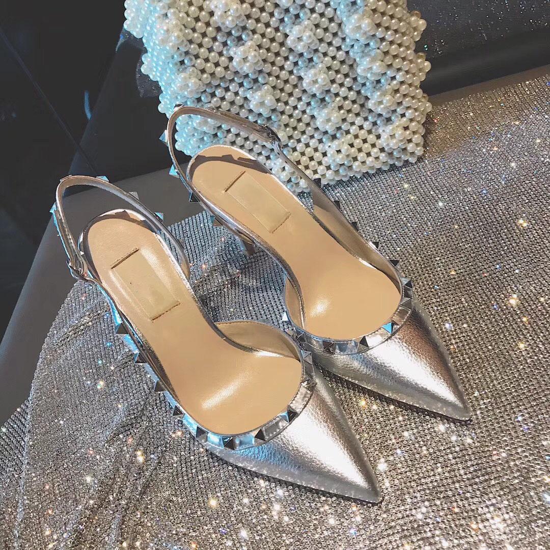 欧美范尖头高跟鞋真皮铆钉侧空后绊带女性感夜店凉鞋套趾细跟漆皮