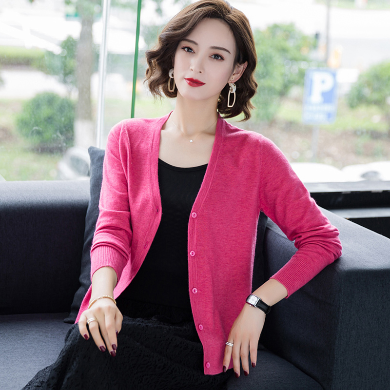 Sweater womens 2021 new style with short V-neck knitted cardigan sweater loose coat shawl air conditioner sweater