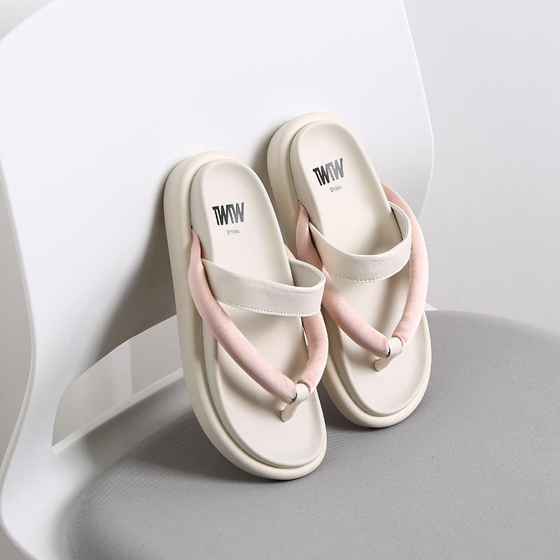 2020 new Japanese style flip flop girl wearing thick bottom net red sandal sports slipper carrying Fairy