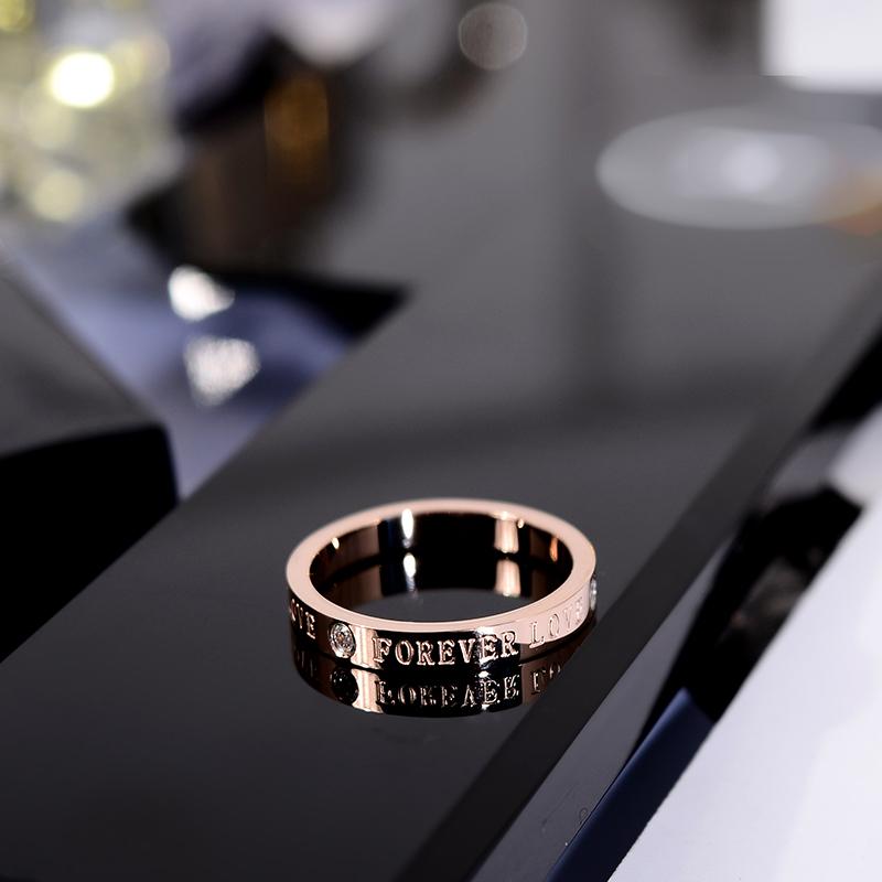 韩京韩版简约时尚带钻英文字母食指环钛钢戒指潮人小指尾戒装饰品