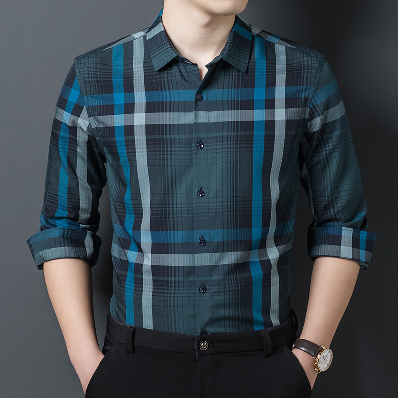 Casual mens casual classic Lapel shirt in spring and autumn 2020 slim Long Sleeve Striped Plaid Shirt
