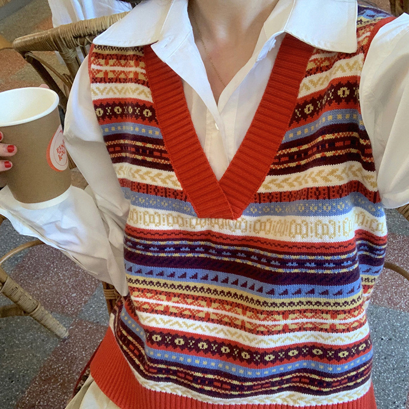 New chic retro pattern knitted vest V-neck in early autumn 2020