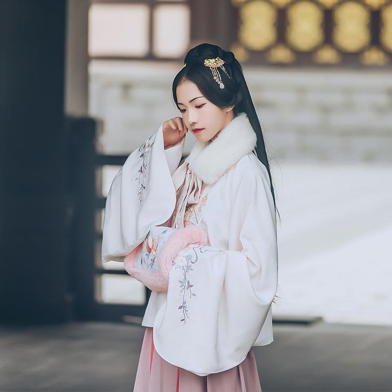 汉尚华莲传统汉服女装独瑶玉兔刺绣明制立领斜襟袄裙套装日常秋冬