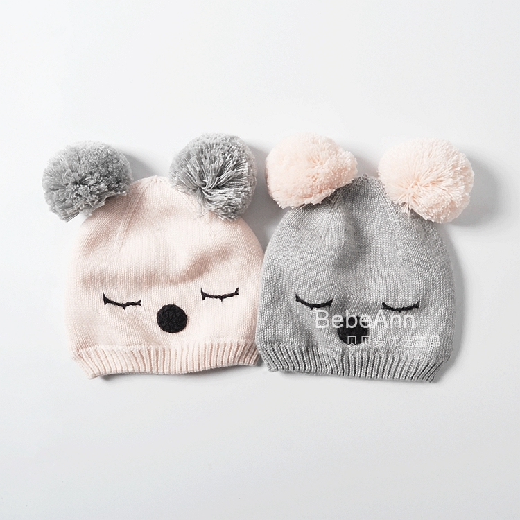 女童秋冬双球棉线帽子闭眼猫咪绣花宝宝针织保暖套头帽婴幼儿帽子 Изображение 1