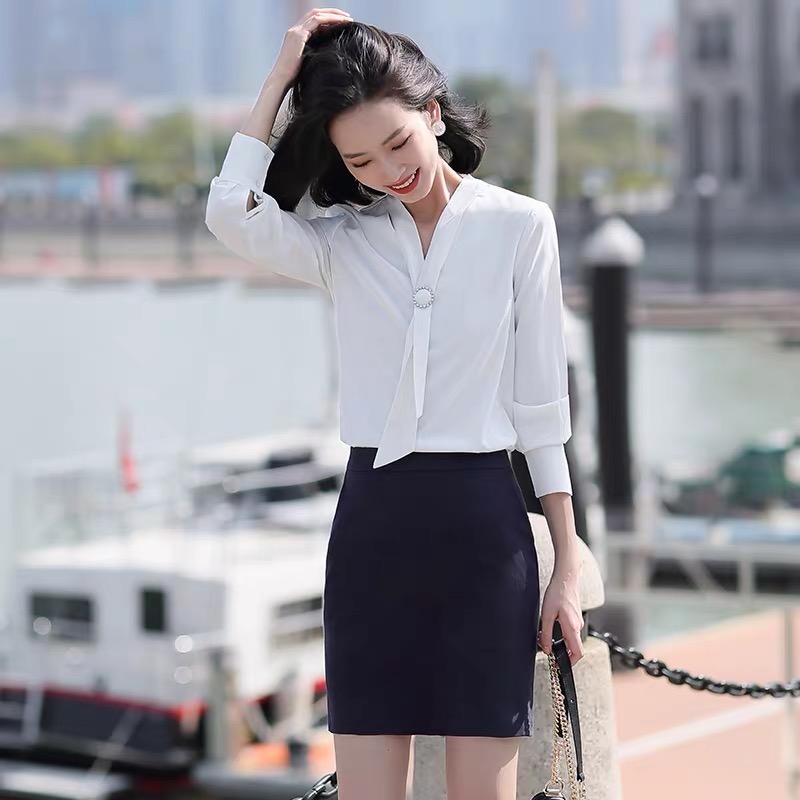 燕之屋服饰女神气质优雅领结白衬衫工作服宽松春夏新款职业装工装