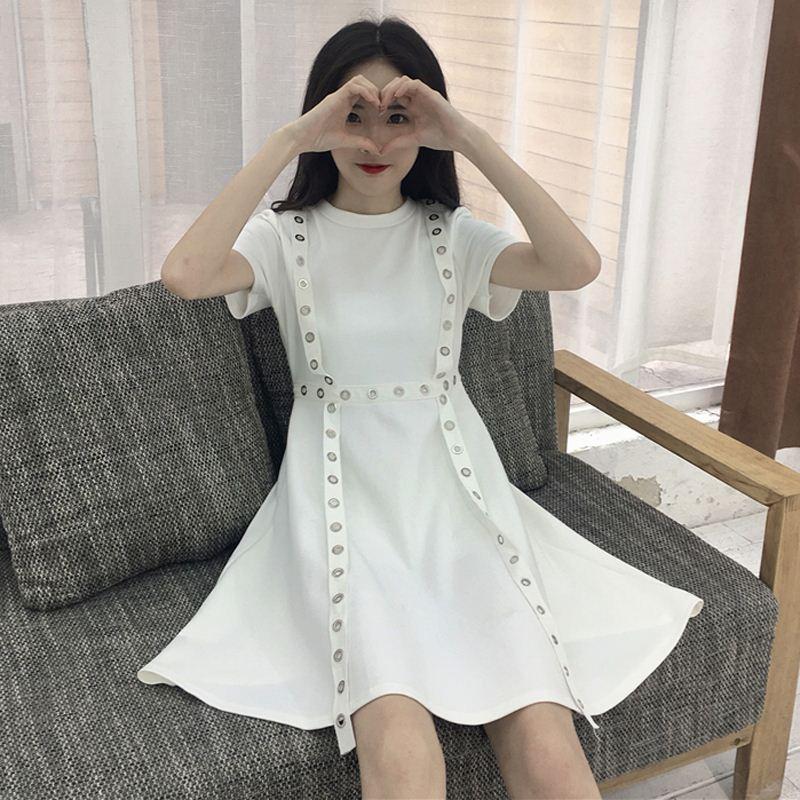 御姐范女装2018新款港味复古连衣裙夏女学生心机裙子设计感收腰潮