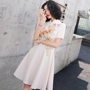 中式伴娘服姐妹团短款香槟色旗袍晚礼服连衣裙女平时可穿夏小