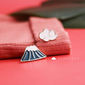 Fly 胸针 富士山与云朵 日系可爱少女领扣 包包挂饰徽章饰品男女