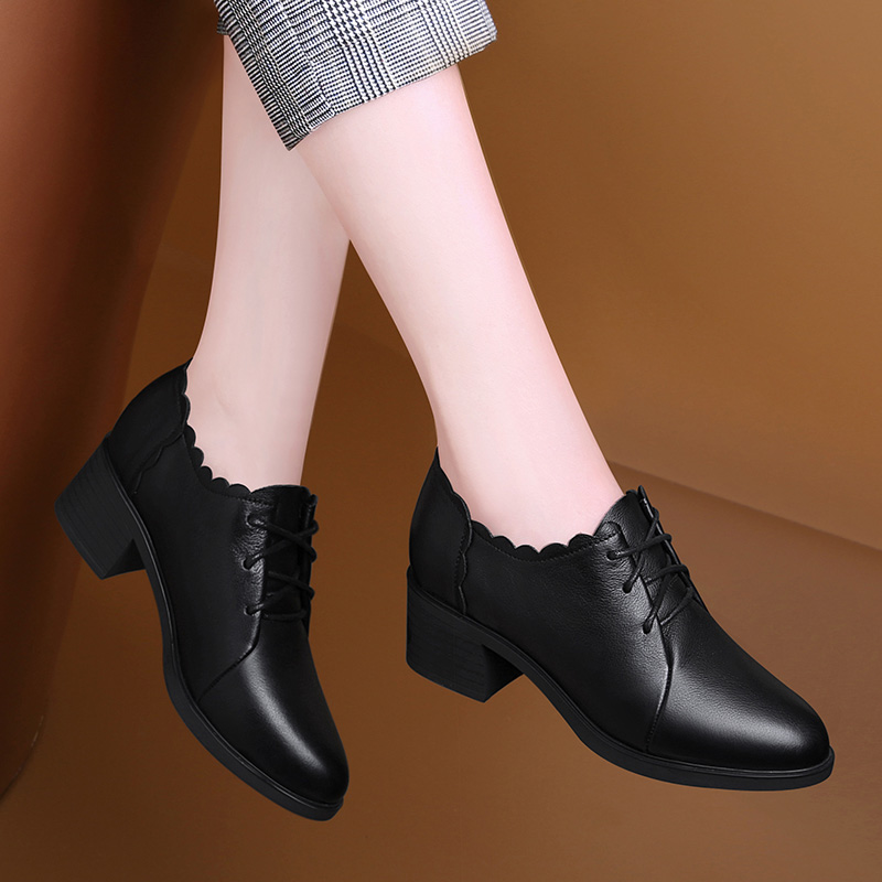 Soft sole leather single shoes womens 2020 new small leather shoes mothers high heel thick heel fashion fashion brand shoes are versatile in summer