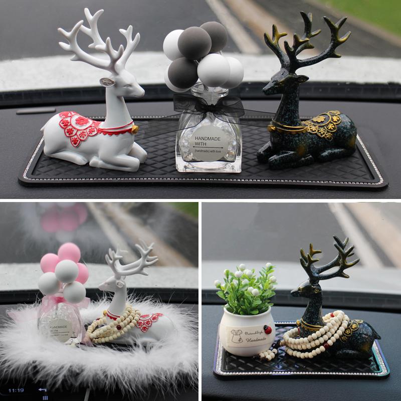 创意车内饰品摆件一路平安鹿汽车用品高档中控台装饰车上车载男女