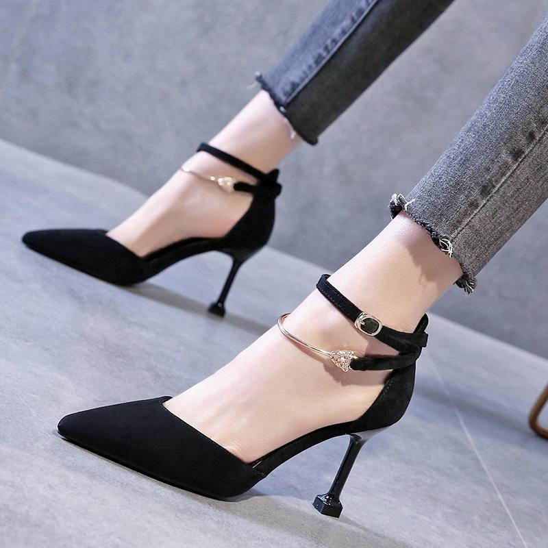 包头凉鞋女2020夏新款一字扣带法式少女尖头仙女风细跟性感高跟鞋