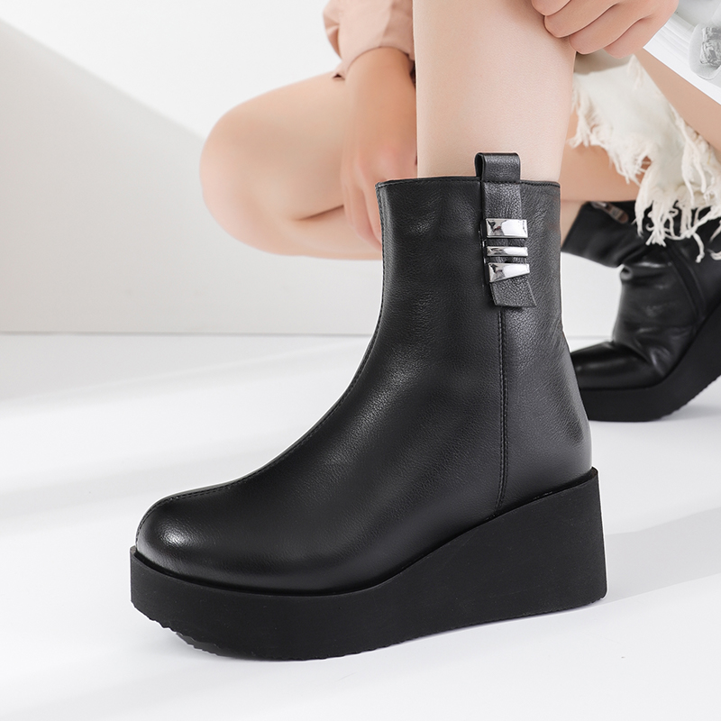Womens cotton padded shoes with leather and plush thick soles in winter increase significantly thin flat bottomed muffin northeast anti-skid soft surface mothers short boots