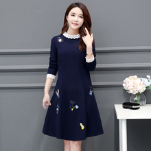 Autumn and winter 2019 new fat plus plus size women's fat mm age reducing thin dress foreign style bottoming skirt 200jin