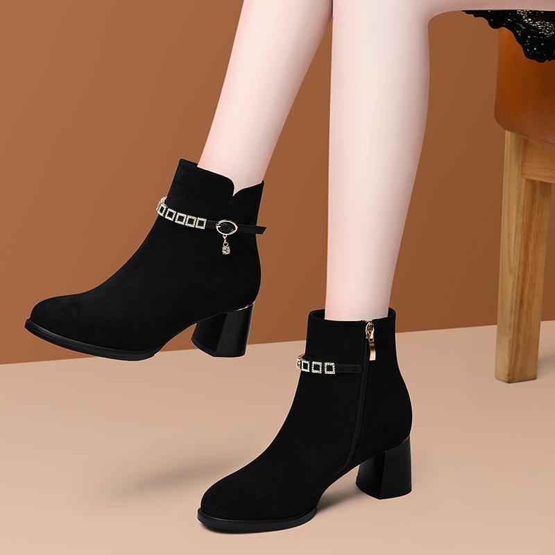 Boots children 2020 new versatile Chelsea boots short boots high heels children 2020 new Martin boots