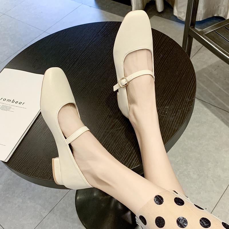 2020新款春季玛丽珍鞋女复古奶奶鞋浅口低跟一字扣带文艺仙女单鞋
