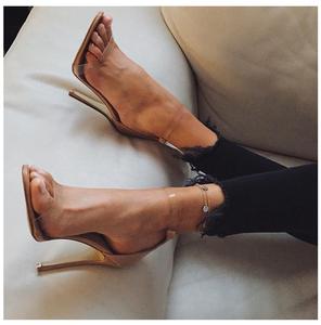 雅绸2021新款女一字带透明风高跟鞋