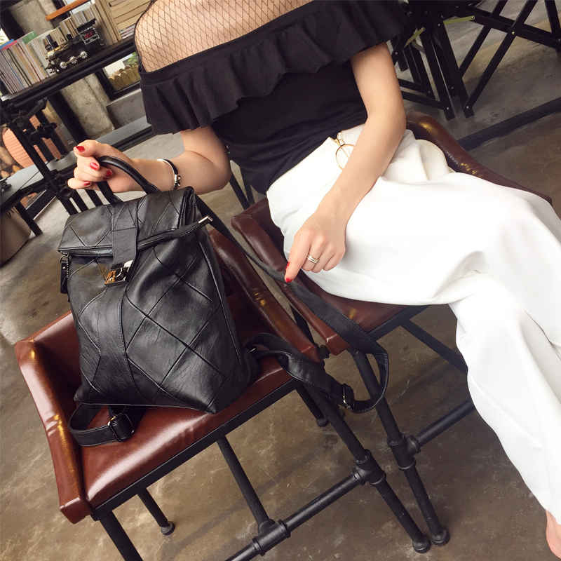 Tiktok, the same leather, shoulder bag, Chao Bao, womens travel and leisure soft leather bag ins Korean version of all match big capacity Backpack