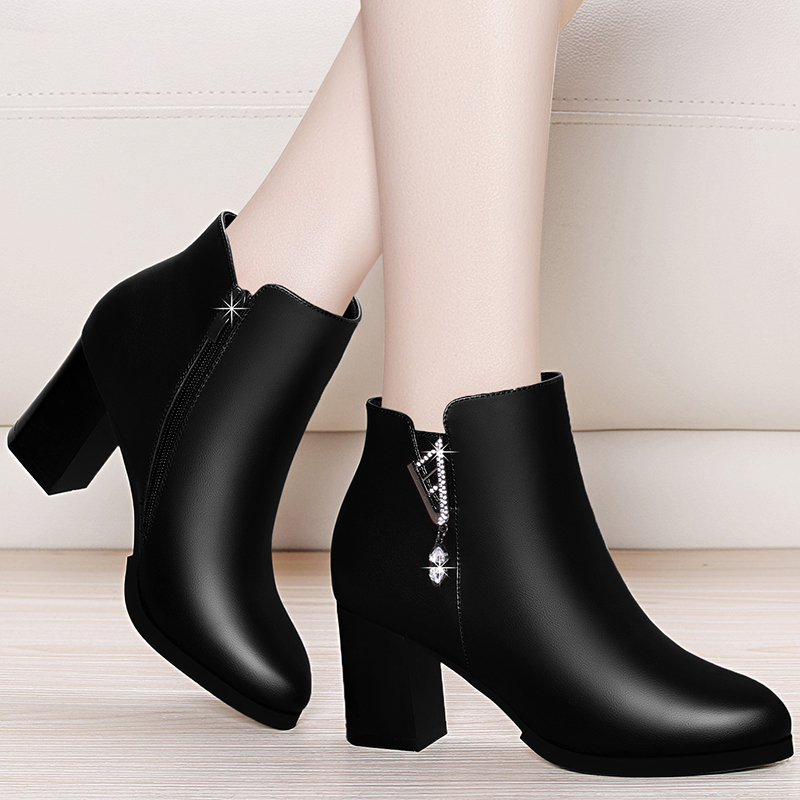 Plush shoes womens middle heel 2020 new autumn and winter womens boots middle aged mother high heel shoes thick heel short boots women
