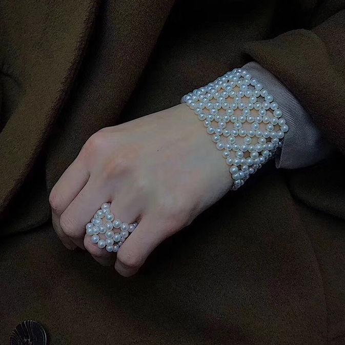 店创意复古珍珠编织宽手环手镯设计感手饰ins美芽