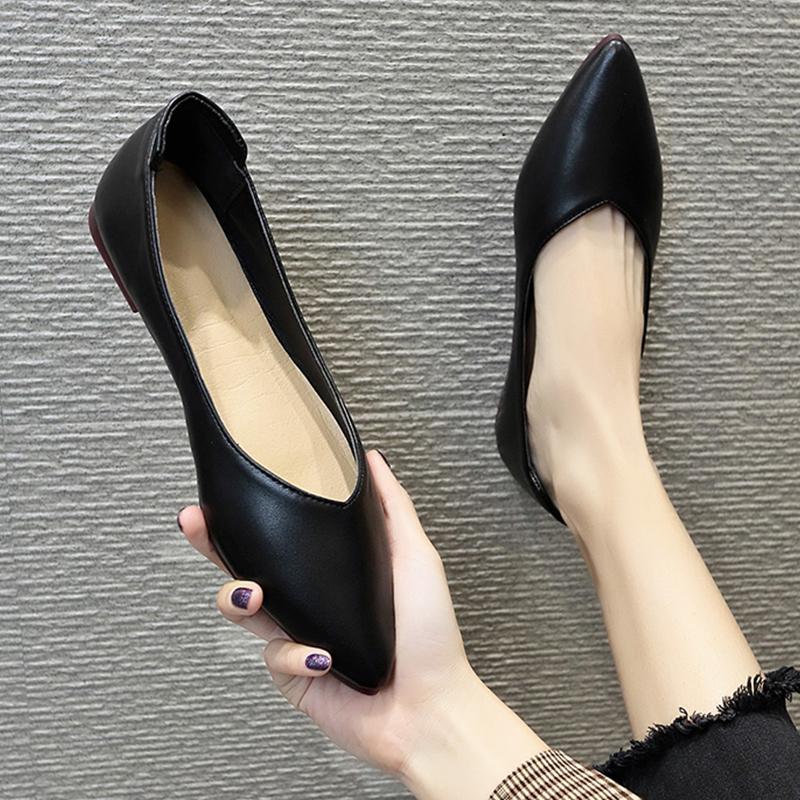 尖头平底单鞋女2020春新款百搭仙女浅口瓢鞋船鞋黑色职业工作鞋女