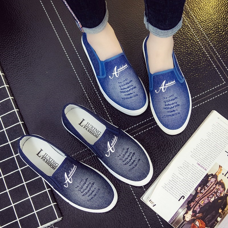 Autumn and winter denim canvas shoes womens shoes with thick soles, all kinds of student shoes, one foot on lazy skates, antiskid single shoes, leisure