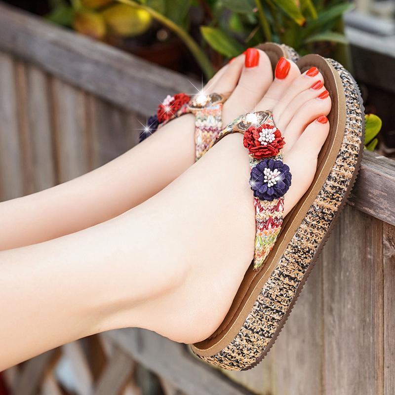 沙滩鞋拖鞋女夏时尚外穿海边防滑厚底学生夹脚凉拖度假花朵人字拖