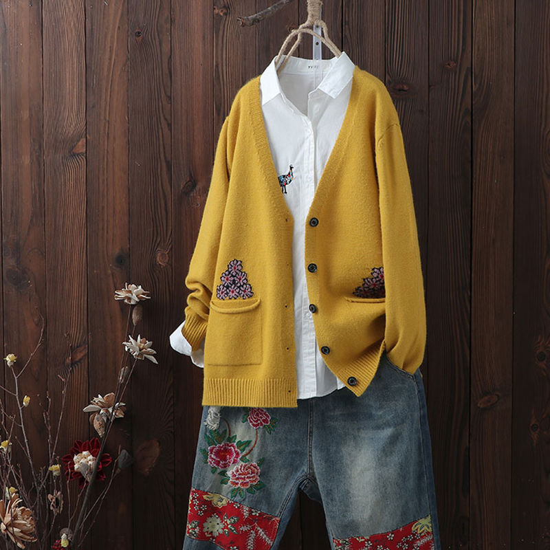 Sweater cardigan womens spring dress Korean knitwear Jacket Womens spring February / August loose sweater with top